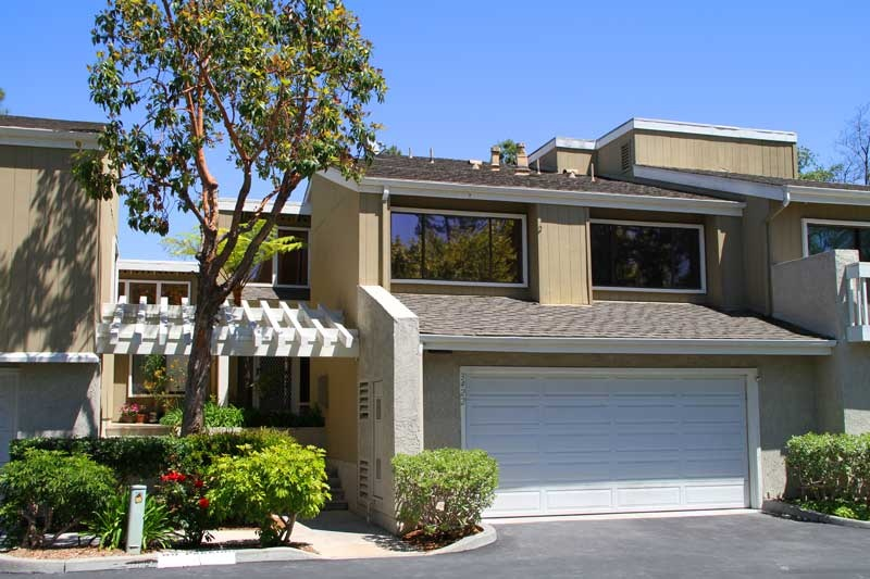 Village Creek Townhomes | Village Creek - Costa Mesa | Village Creek Condos for Sale | Costa Mesa Real Estate