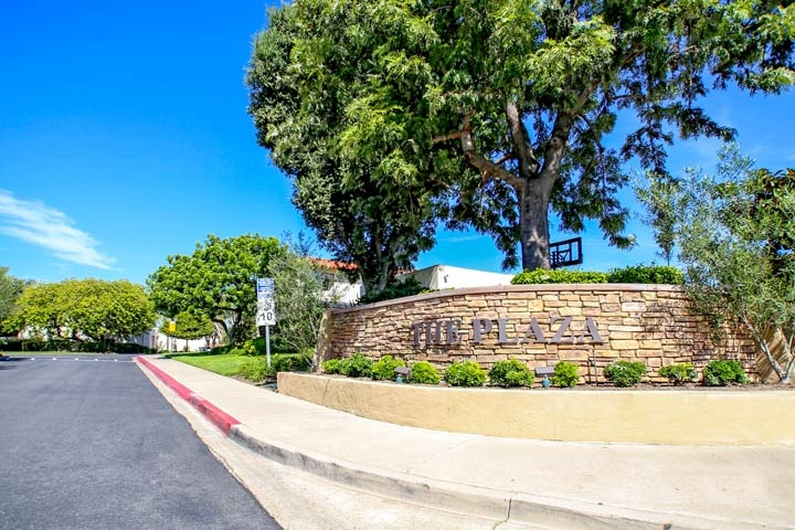 Bluffs Plaza Community Homes For Sale In Newport Beach, CA
