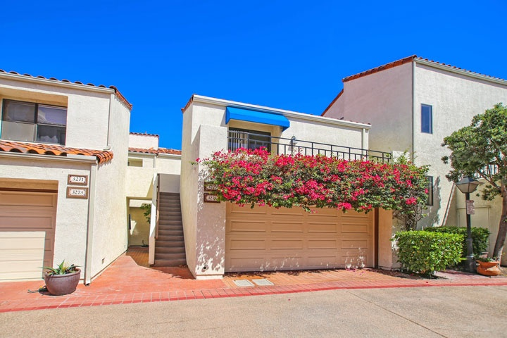 Broadmoor Community Homes For Sale In Huntington Beach, CA