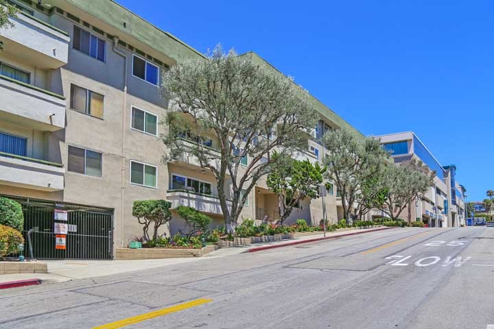 Commodore Condos For Sale in Hermosa Beach, California