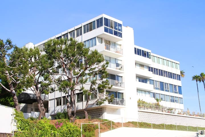 Edgewater Towers Condos For Sale in Pacific Palisades, California