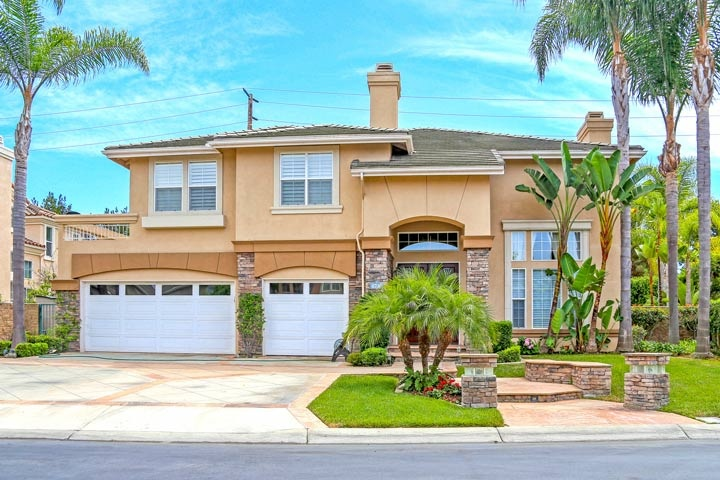 Hamptons Community Homes For Sale In Huntington Beach, CA