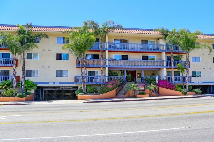 Hermosa Surf Condos For Sale in Hermosa Beach, California