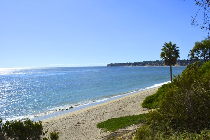 Holiday House Condos For Sale in Malibu, California