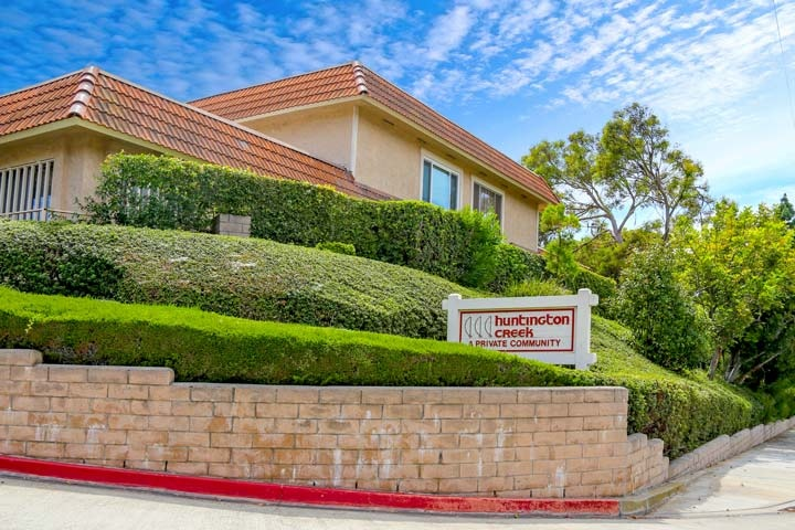 Huntington Creek Community Condos For Sale In Huntington Beach, CA