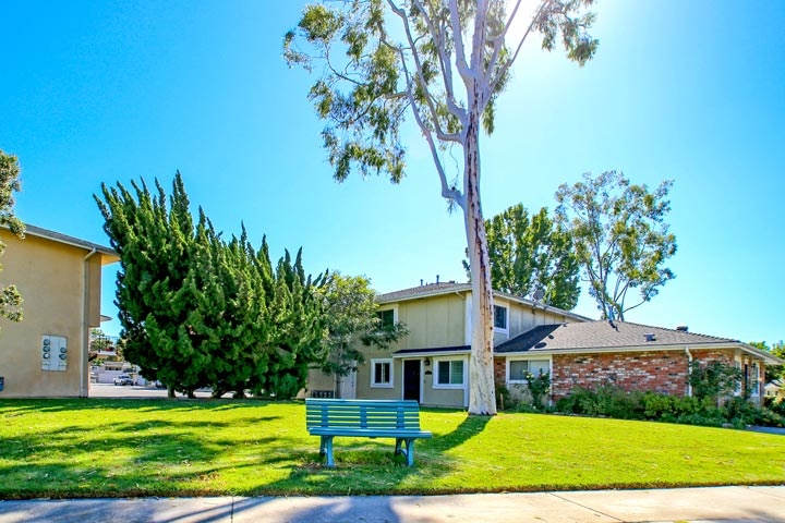 Huntington Gardens Community Homes For Sale In Huntington Beach, CA
