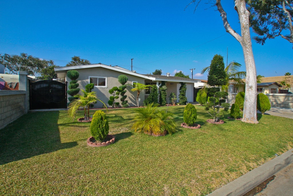 Garden grove real estate information beach cities real estate for Home for sale in garden grove ca