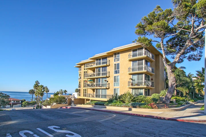La Jolla Village Condos for Sale | La Jolla, California
