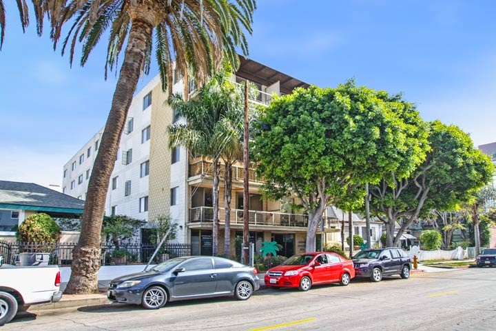 Linden Terrace Condos For Sale in Long Beach, California