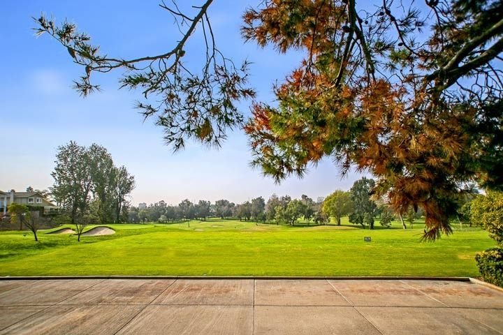 Mesa Verde Country Club Golf Course in Costa Mesa, California
