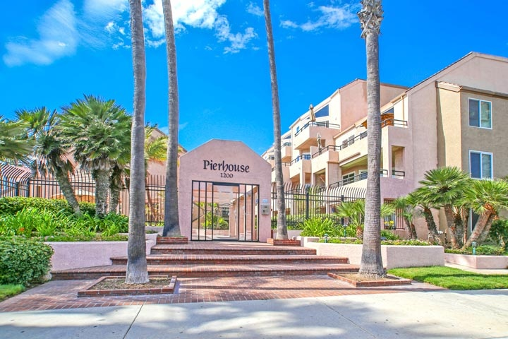 Pierhouse Condos For Sale In Huntington Beach, CA