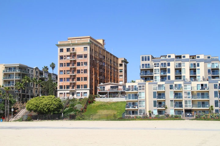 Saint Regis Condos For Sale in Long Beach, California