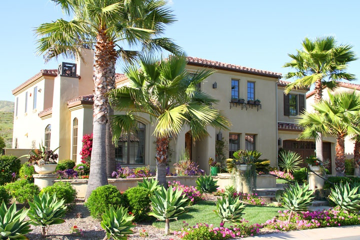 The Lakes at the Crosby | Rancho Santa Fel Real Estate