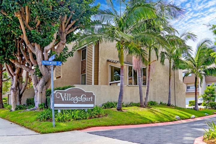 Village Court Community Condos In Huntington Beach, CA