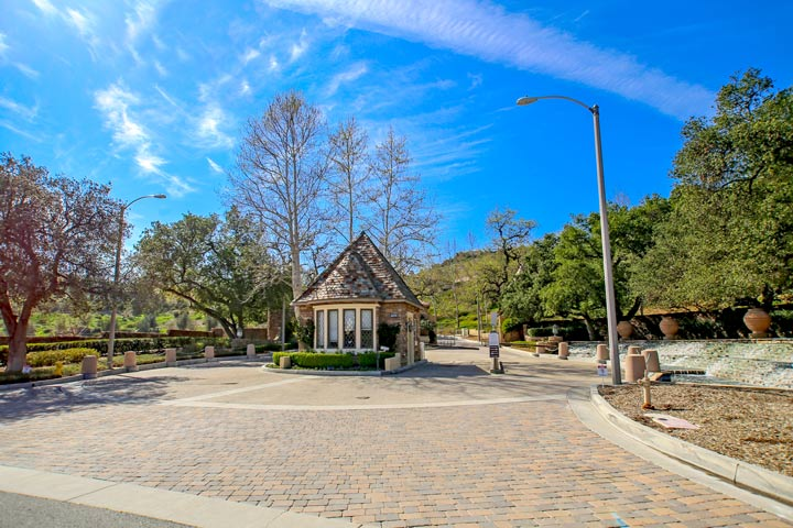Mont calabasas homes for sale beach cities real estate for Homes for sale in calabasas gated community