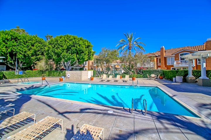 Provence D'Aliso Community Pool