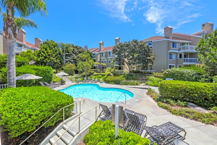 Seabridge Villas Community Pool