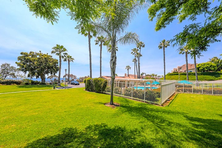 Seaview Townhomes Community Pool