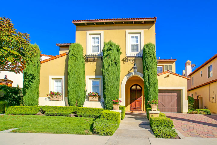 Tesoro Villas Community Homes For Sale In Newport Coast, CA