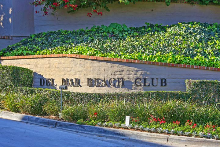 Del Mar Beach Club Sign