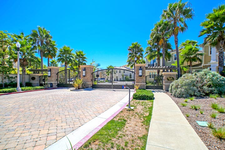 Pacific Shores Gated Community in Huntington Beach, CA