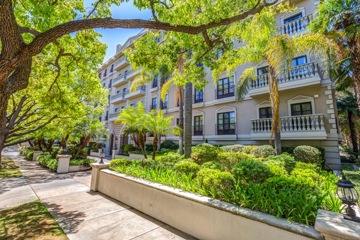 La Faubourg St. Louis Condos For Sale At 425 N. Maple in Beverly Hills, California