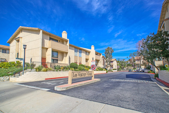 Calabasas condos for sale beach cities real estate for Houses for sale in calabasas