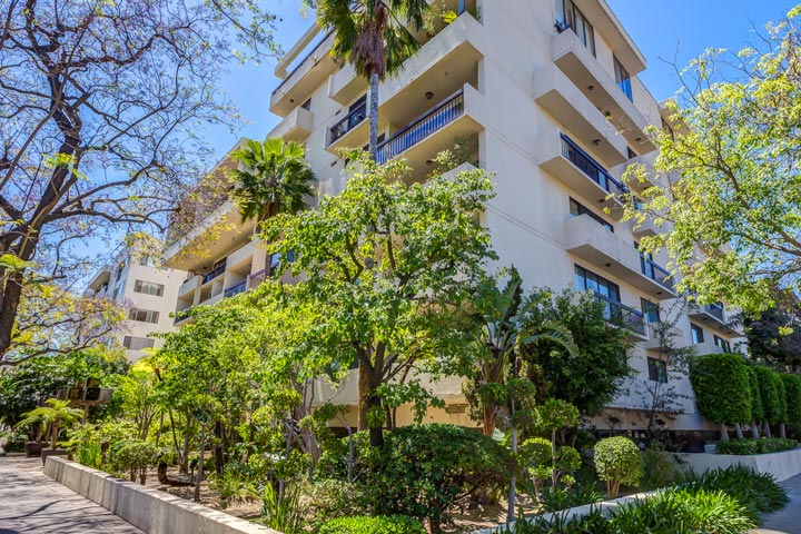 Oakhurst Terrace Condos For Sale At 325 N. Oakhurst in Beverly Hills, California