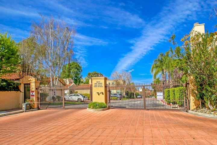 Creekside calabasas homes beach cities real estate for Homes for sale in calabasas gated community